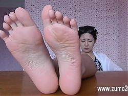 Chinese bitch's soles look softer than silk