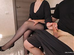 Stranger woman in the waiting room gives handjob in pantyhose